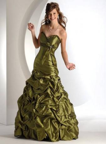 Najljepše haljine - Page 18 Zlate-saty