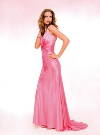 04ffa09f5eee6 VERONIKA - Fotoalbum - saty mno podla mna su pekne - krásne šaty - saty